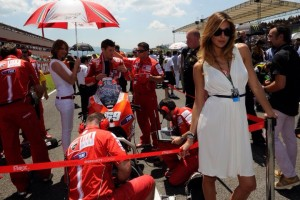 On the Grid Mugello physiotherapist Alfredo Dente with Nicky Hayden